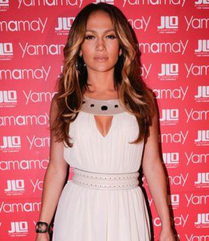 J.Lo promuje swoją nową kolekcję bielizny (FOTO)