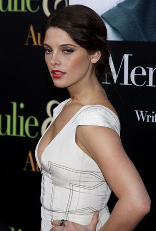 Ashley Greene - seksowna wampirzyca (FOTO)