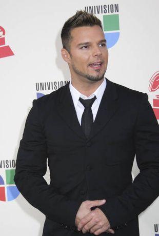 Co mają wspólnego Ricky Martin i tusz do rzęs?