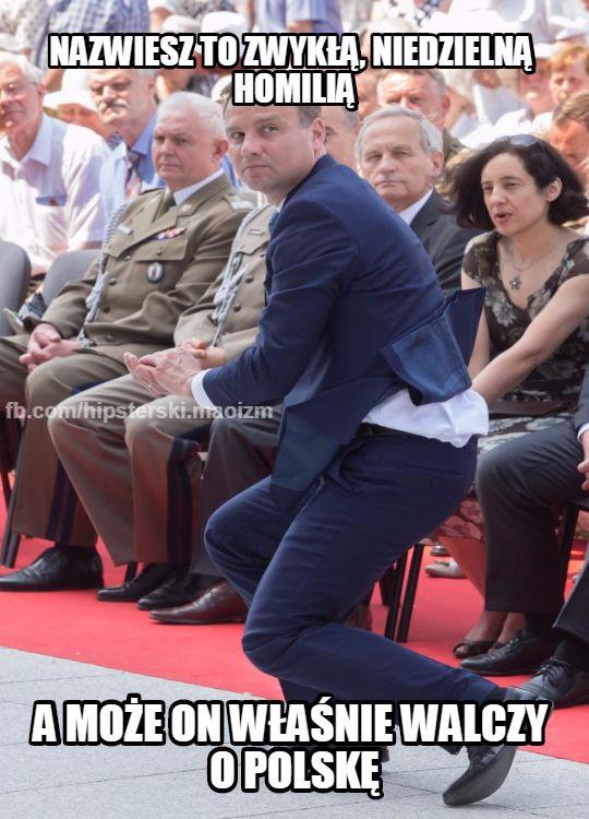 Andrzej Duda ratuje hostię - memy | Kozaczek