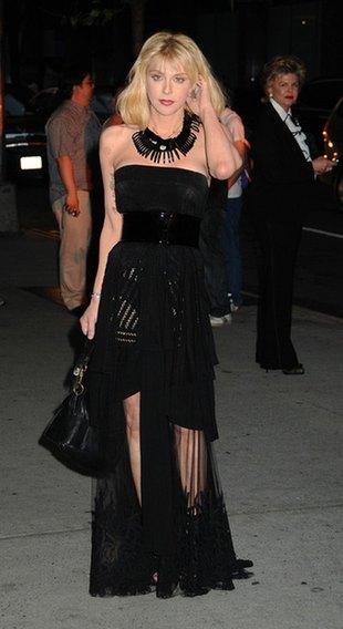 Courtney Love: Wbijałam mu pinezki w j...