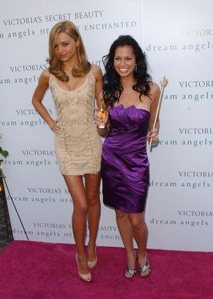 Miranda Kerr promuje nowy zapach Victoria's Secret (FOTO)