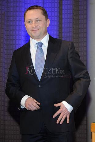 Kamil Durczok przy czyściuteńkim stole