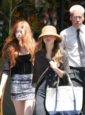 Kto chowa się za kapeluszem? (FOTO)