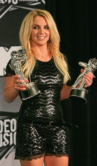 Nieretuszowane zdjęcia Britney Spears trafią do szkół