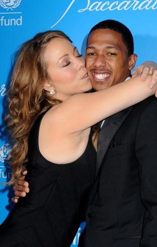 Mariah Carey kryje tłuszczyk pod gorsetem (FOTO)