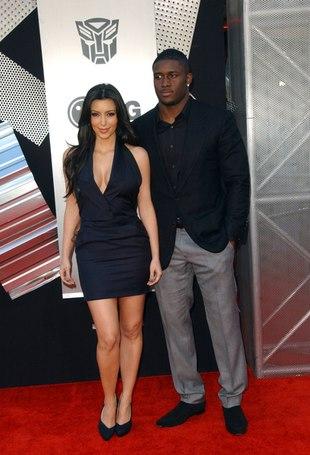 Były chłopak Kim Kardashian zamęcza ją sms-ami