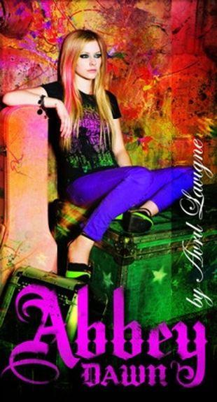 Zdjęcia Avril Lavigne w nowych ciuszkach (FOTO)