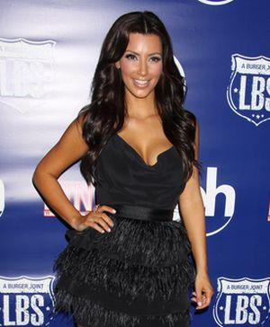Kim Kardashian ciężko pracuje nad swoim wizerunkiem  (FOTO)