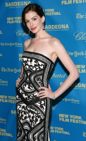 Czym Anne Hathaway leczy smutki?