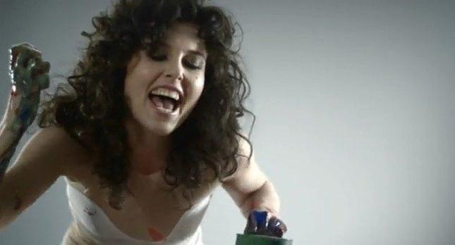 Dzika Ramona Rey w nowym teledysku [VIDEO]