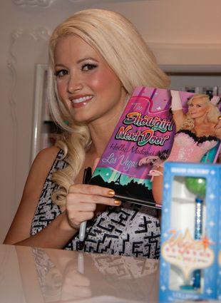 Holly Madison promuje swoją książkę (FOTO)