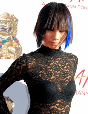 Bai Ling w koronkach i z niebieskimi pasemkami (FOTO)