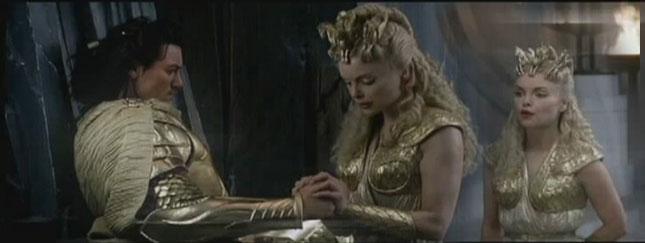 Starcie Tytanów - usunięte sceny z Izą Miko (VIDEO)