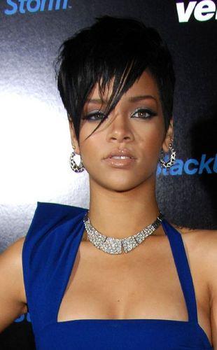 Chris Brown zapłaci Rihannie 10 milionów za pobicie!