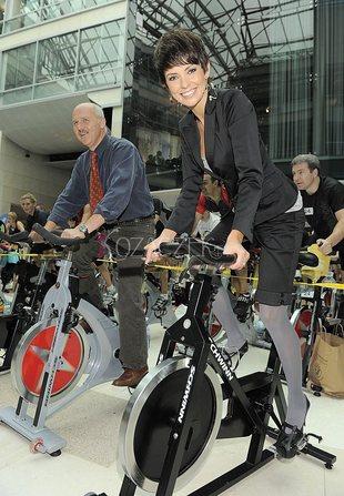 Dorota Gardias w szpilkach na rowerze (FOTO)