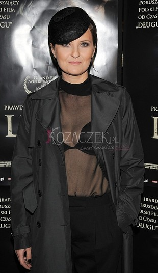 Polska aktorka świeci biustonoszem (FOTO)