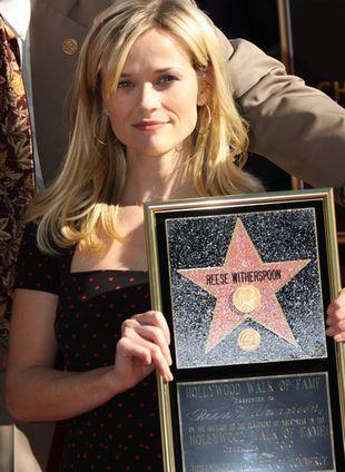 Reese Witherspoon odsłoniła swoją gwiazdę w Hollywood (FOTO)