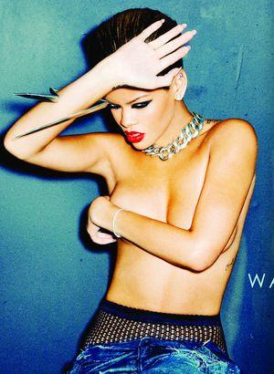 Rihanna topless na okładce swojego nowego singla (FOTO)