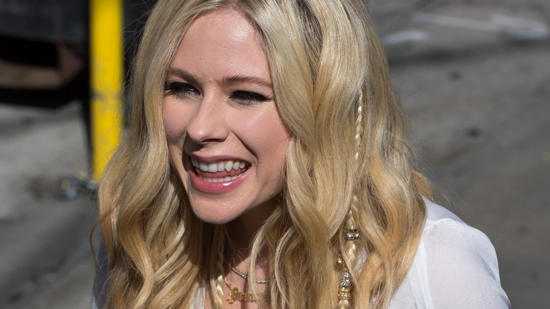 Avril Lavigne NIE ŻYJE?!