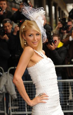 Nie sprzedali pieska Paris Hilton