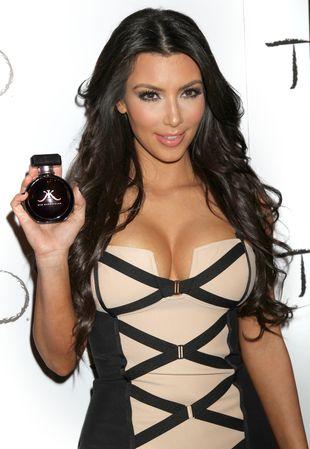 Kim Kardashian - specjalistka od udawania orgazmów (FOTO)