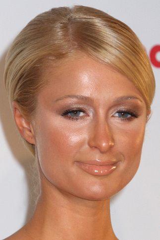 Paris Hilton przesadziła z makijażem (FOTO)