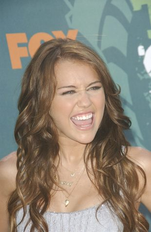 Miley Cyrus może stracić głos!