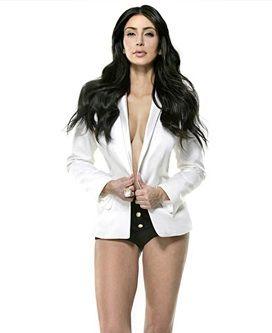 Co zrobili z twarzą i nogami Kim Kardashian (FOTO)