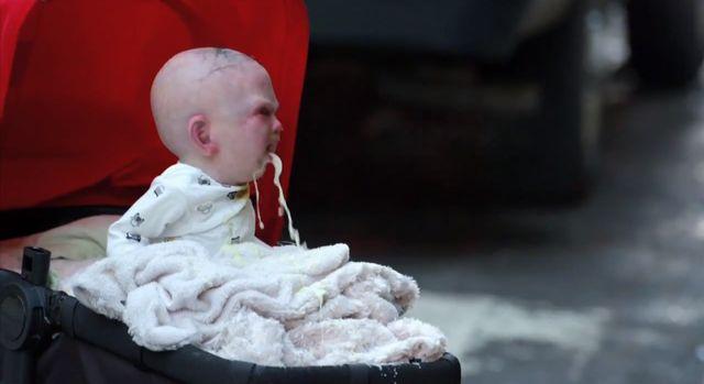 Dziecko diab�a na ulicach Nowego Jorku [VIDEO]