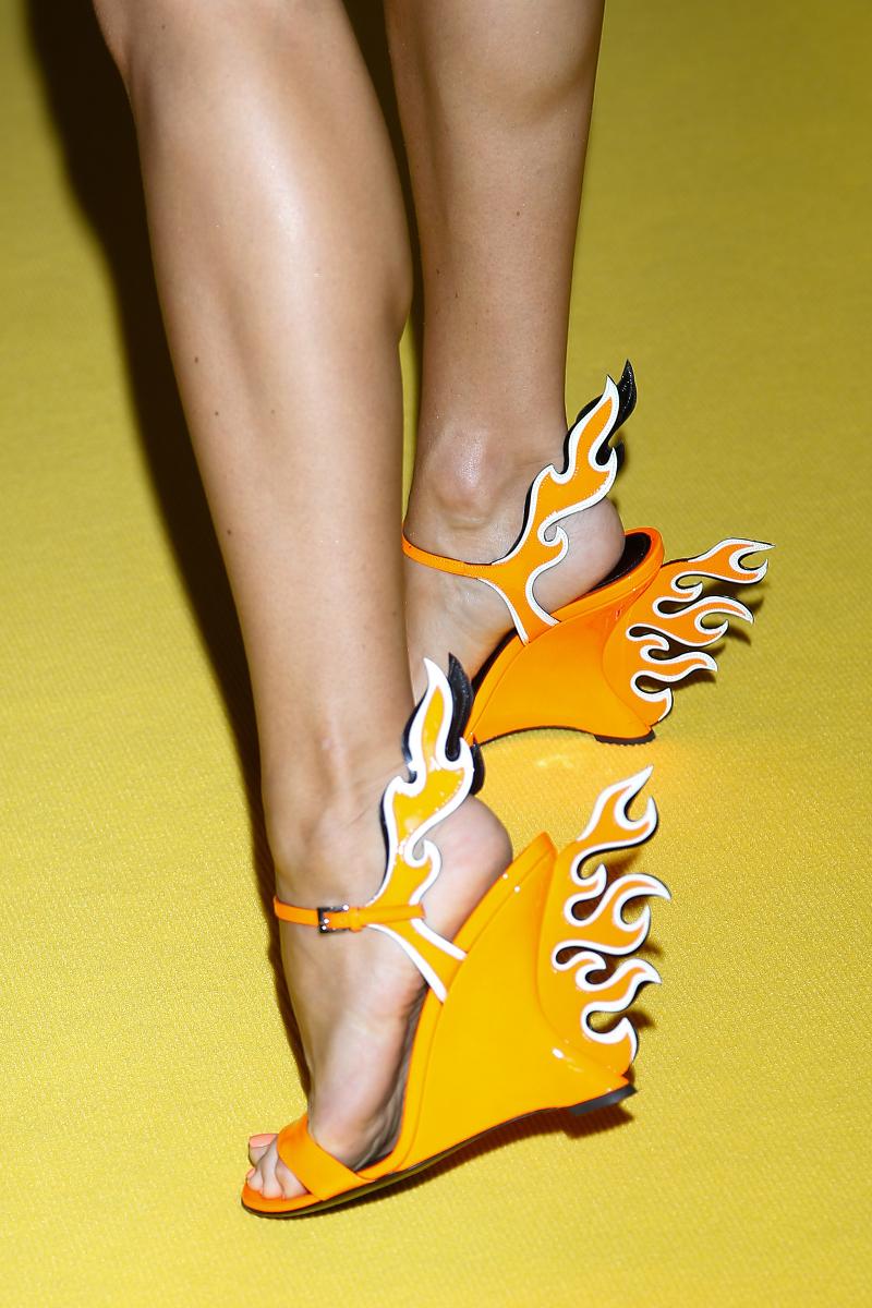Doda KOPIUJE Kendall Jenner! Założyła jej ogniste buty!