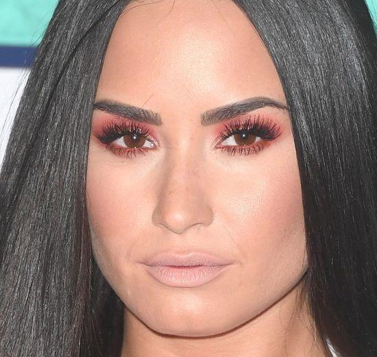 Demi Lovato czuła się OSACZONA? To dlatego podjęła tak ODWAŻNE kroki