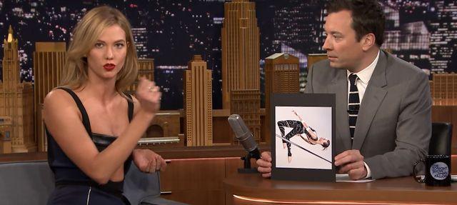 Jimmy Fallon pobiera lekcje modelingu u Karlie Kloss