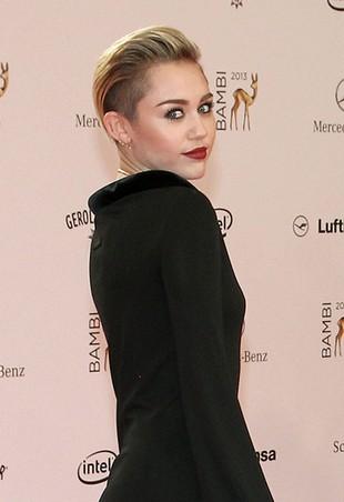 Miley Cyrus w Niemczech nie straszyła golizną (FOTO)