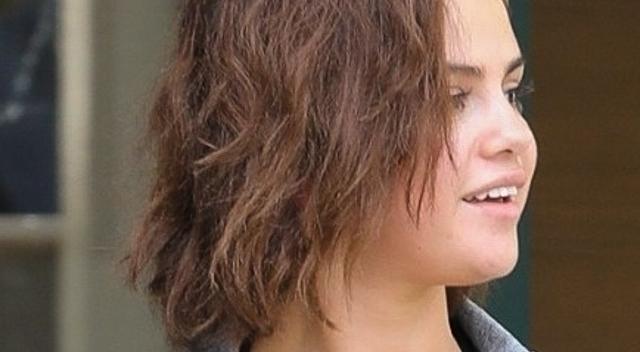 Selena Gomez w FATALNEJ stylizacji. Przytyła w święta?