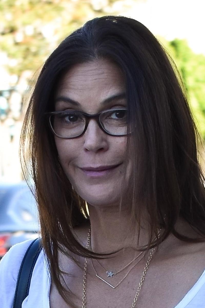 Amerykańska gwiazda próbuje się uśmiechnąć! Przesadziła z botoxem?