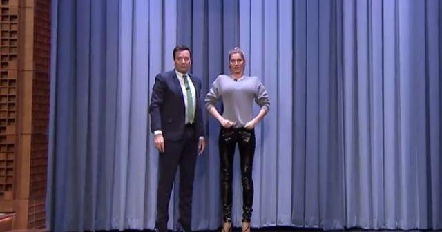 Kendall Jenner będzie WŚCIEKŁA! Fallon chodzi po wybiegu lepiej od niej!