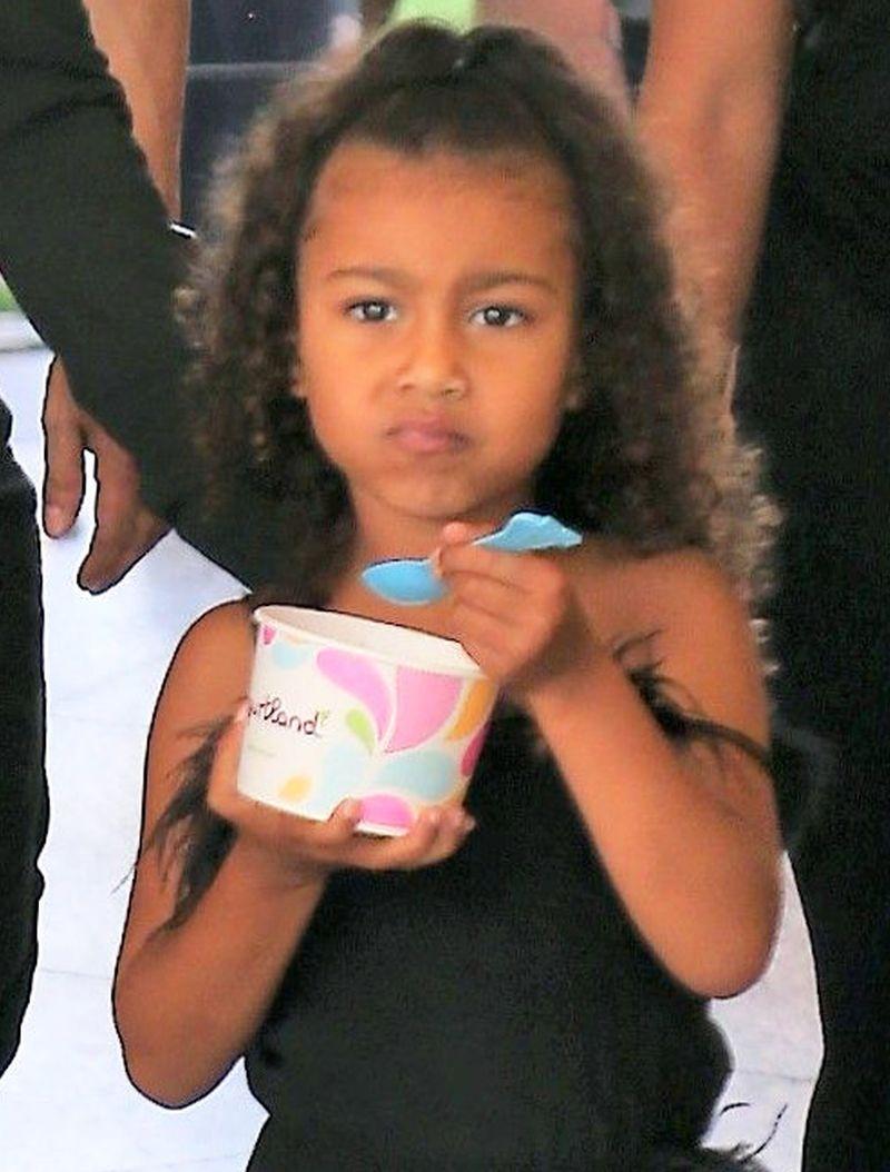 Potworny hejt na Kim Kardashian. Zarzucają jej, że przez TO jest ZŁĄ matką!