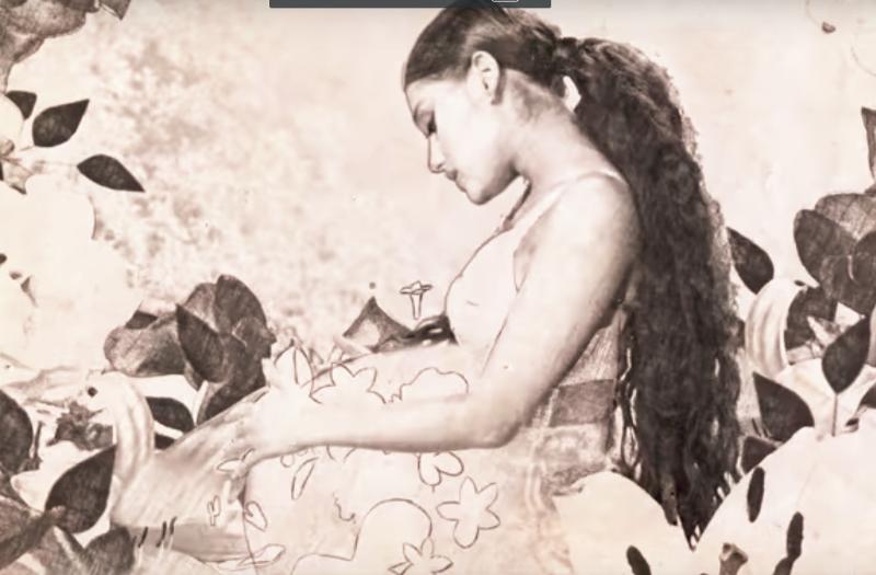Ariana Grande jest w CIĄŻY?! Ten gest mówi WSZYSTKO!