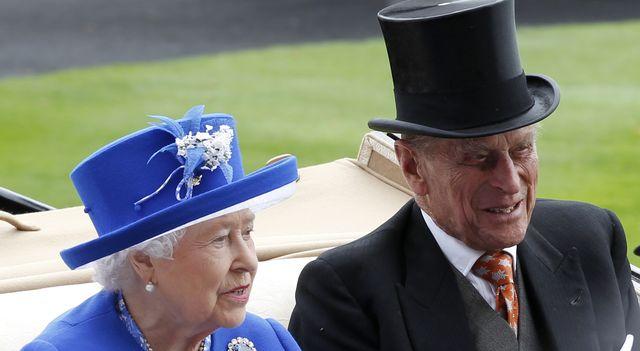 O 3 w nocy w Pałacu Buckingham zostało zwołane NADZWYCZAJNE SPOTKANIE