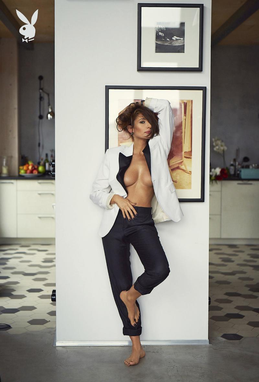 Mamy NIEPUBLIKOWANE zdjęcia Popławskiej z sesji dla Playboya