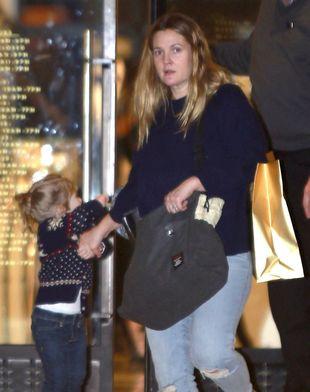 Drew Barrymore nie stroi się na świąteczne zakupy (FOTO)
