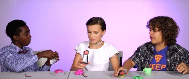 Dzieciaki ze Stranger Things dostały retro zabawki. Wiedzą, co z nimi zrobić?