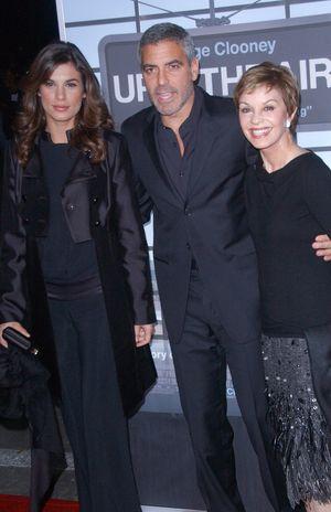 Zarośnięty George Clooney z ukochaną i mamą (FOTO)