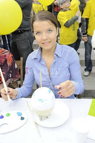 Jabłczyńska maluje pisanki (FOTO)