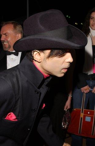 Prince chodzi po domach