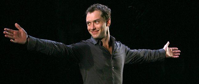 Jude Law jako Hamlet (FOTO)