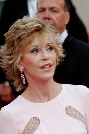 Jane Fonda w Cannes daje lekcje młodszym (FOTO)