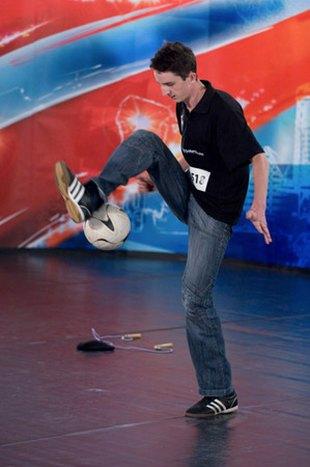 Krzysztof Golonka mistrzem świata w trikach piłkarskich