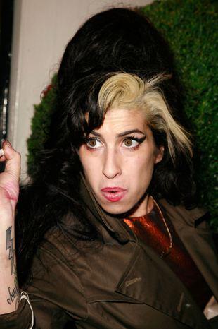 Amy Winehouse pokazała majtki